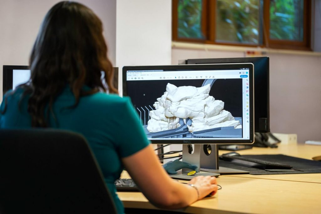 Student using a computer for 3d modeling in a modern education system